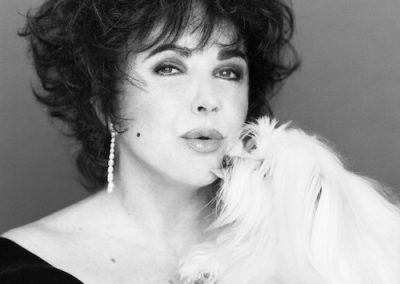 Elizabeth Taylor and her maltese dog